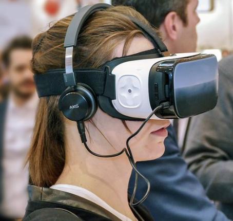 Virtuaalimaailma Pelit